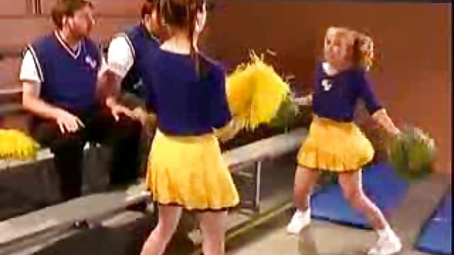 Cheerleader in Lokker Room