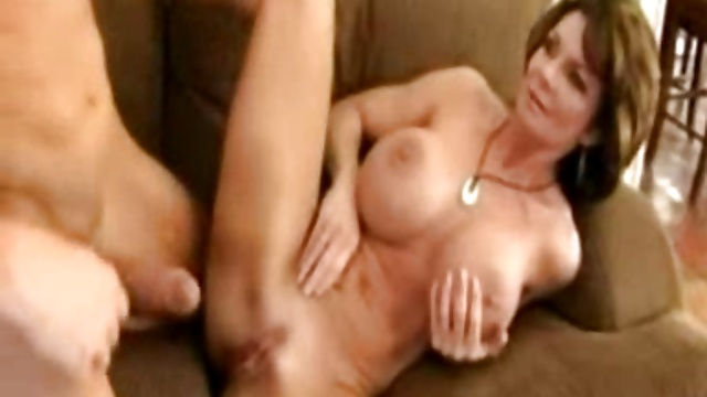 Deauxma – Queen of Milfs