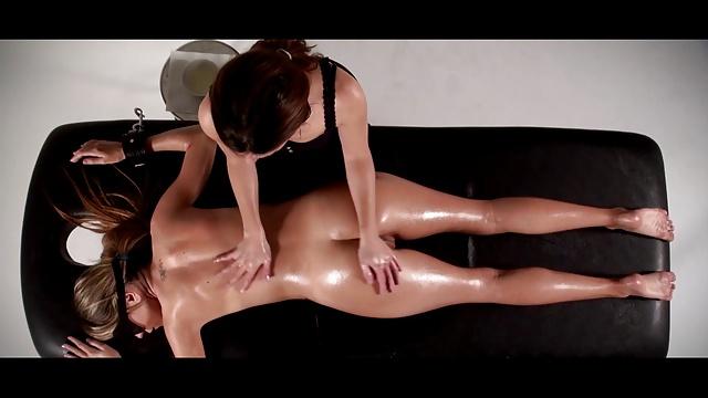 Украдкой фото бдсм массаж онлайн онлайн