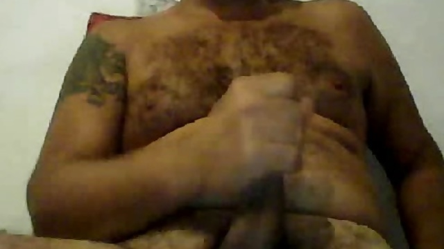 LATIN HAIRY DADDY WANK