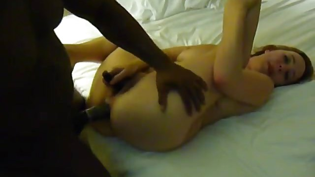 Amateur WIFE loves BBC anal MMF