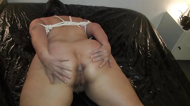 BBW wife screams while fucked in ass