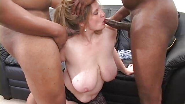 Raunchy Roxie Interracial Threesome (AMAZING!!!)